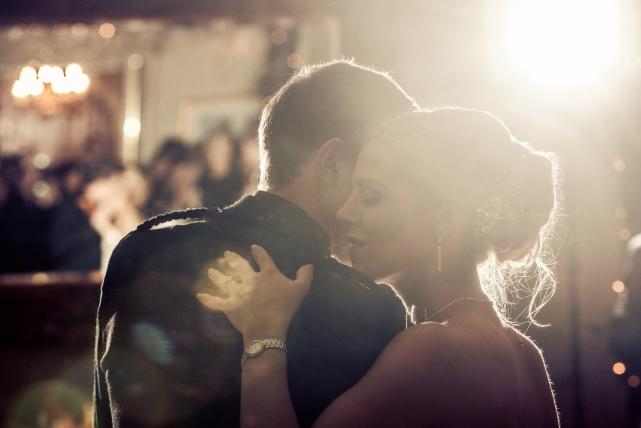 A first dance photograph taken at a wedding in Aberdeen by Jonathan Addie, an Aberdeen wedding photographer