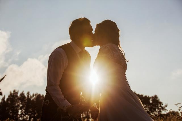 A couple photograph taken at logie in Aberdeenshire by Jonathan Addie, an Aberdeen based wedding photographer