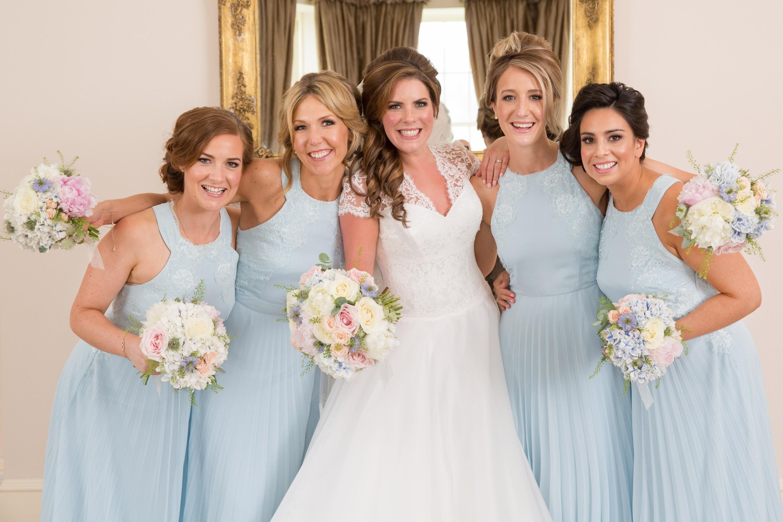 A group shot taken at a wedding in Aberdeen by Jonathan Addie, an Aberdeen based wedding photographer